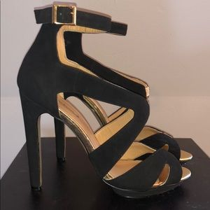 Shoe Dazzle Shoes - 🌟Stunning Black and Gold Shoe Dazzle Heels🌟